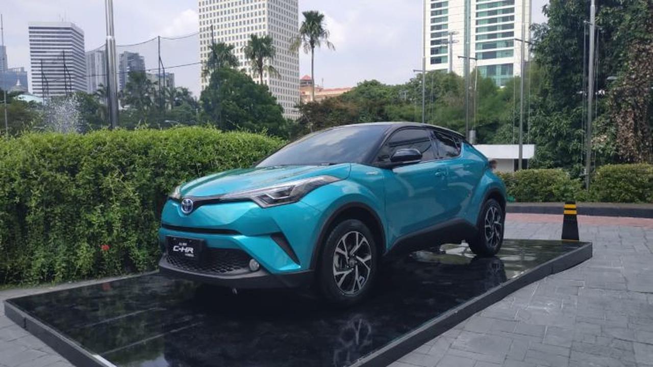 Toyota C-HR Hybrid Lebih Diminati, Ini Buktinya